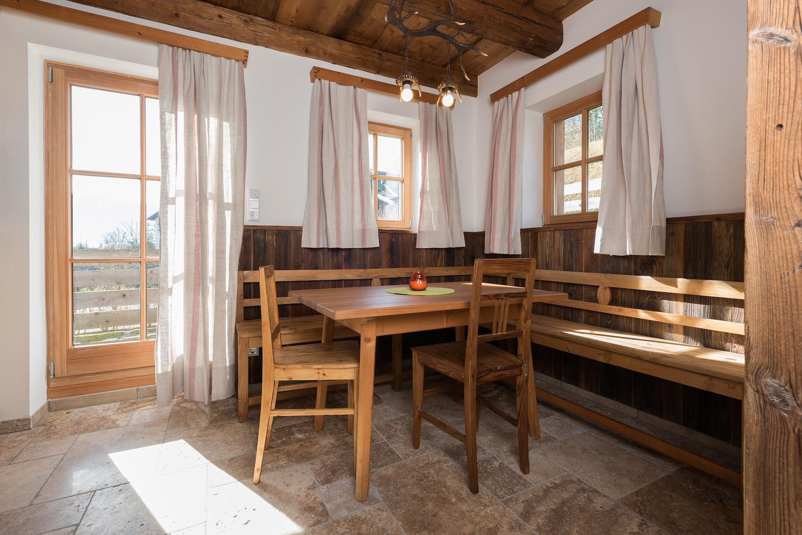 Ein Haus mit viel Altholz