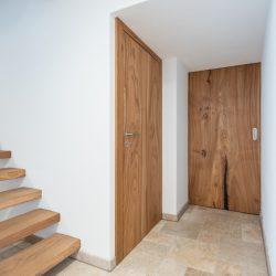 Ein Haus mit lebenden Türen