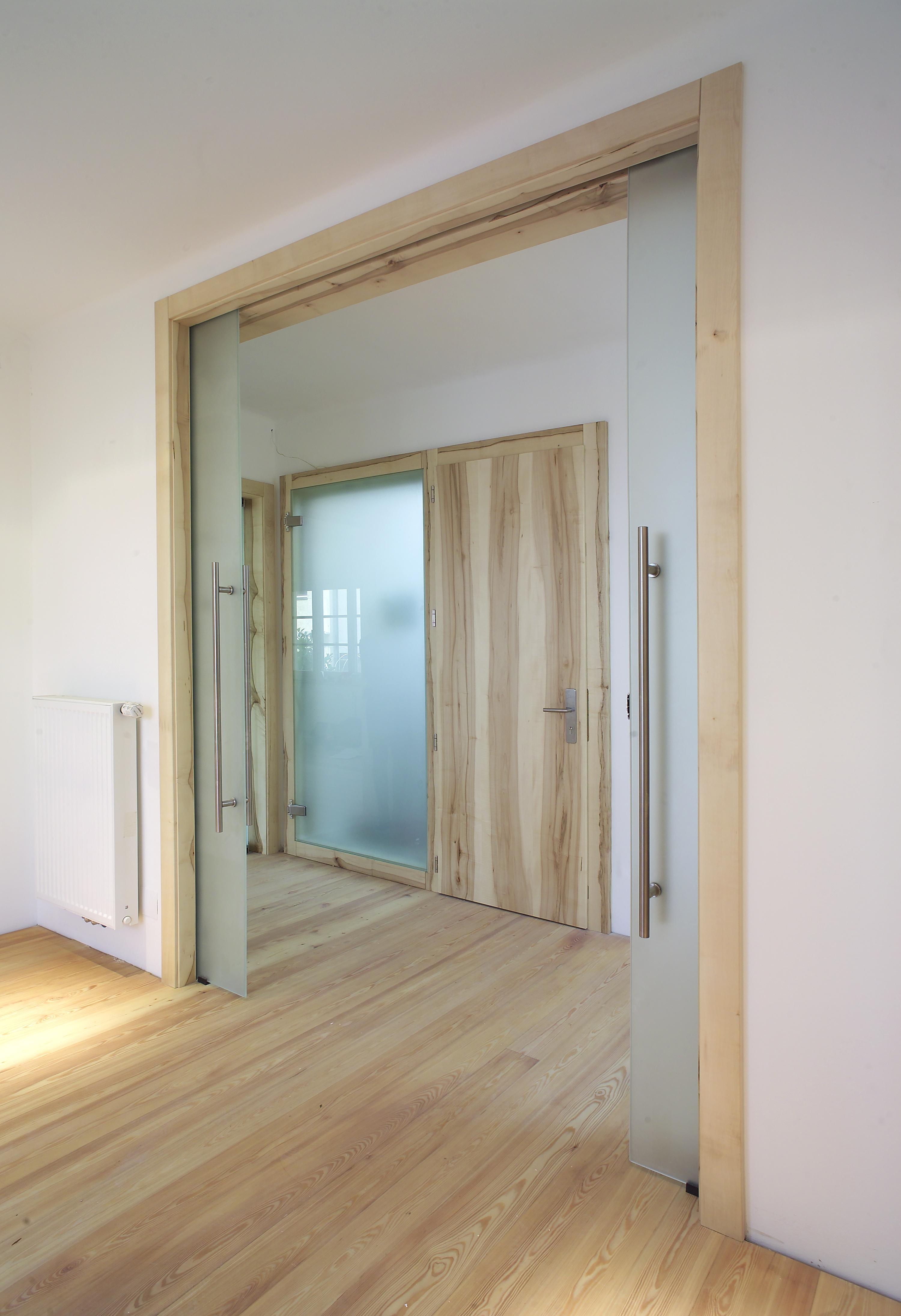 Ein Haus mit wilden Türen
