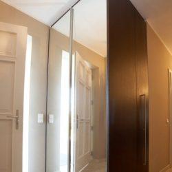 garderobeschrank-lichtspiegel-haberltueren.jpg