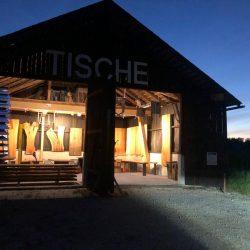 tischausstellung_stadl_haberl_massivholztueren.jpg